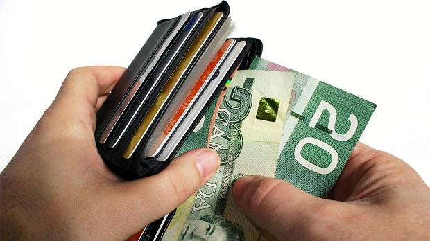 wallet-canadian-currency